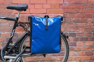 packtasche fahrradtasche gep cktasche satteltasche lkw plane neues modell blau freizeit fahrrad. Black Bedroom Furniture Sets. Home Design Ideas