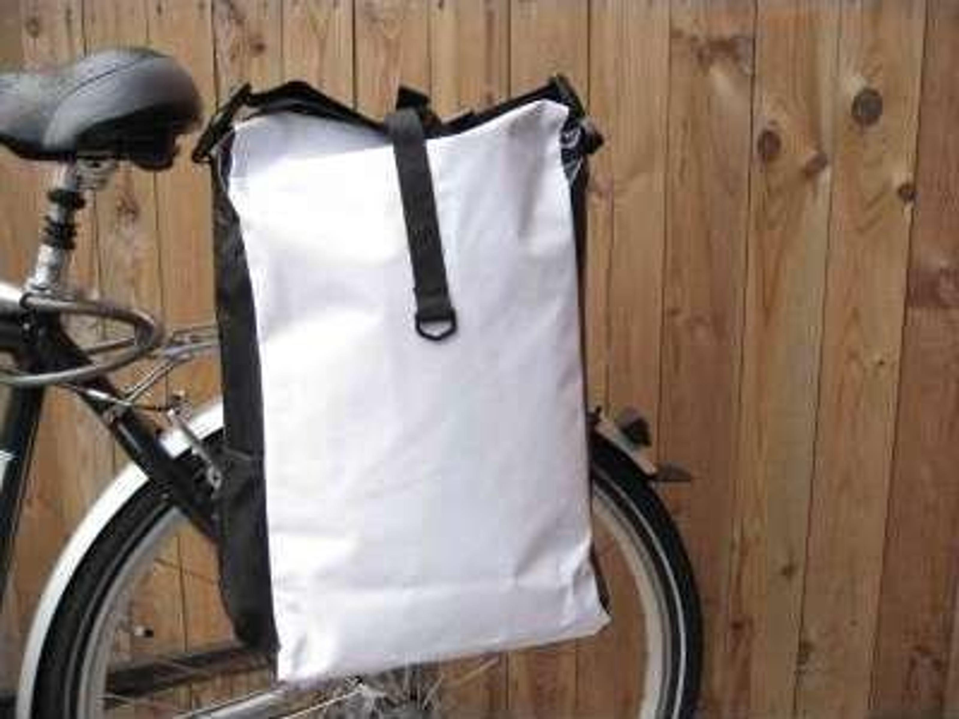 lkw plane gep cktasche fahrradtasche gep cktr gertasche wasserdicht wei ebay. Black Bedroom Furniture Sets. Home Design Ideas